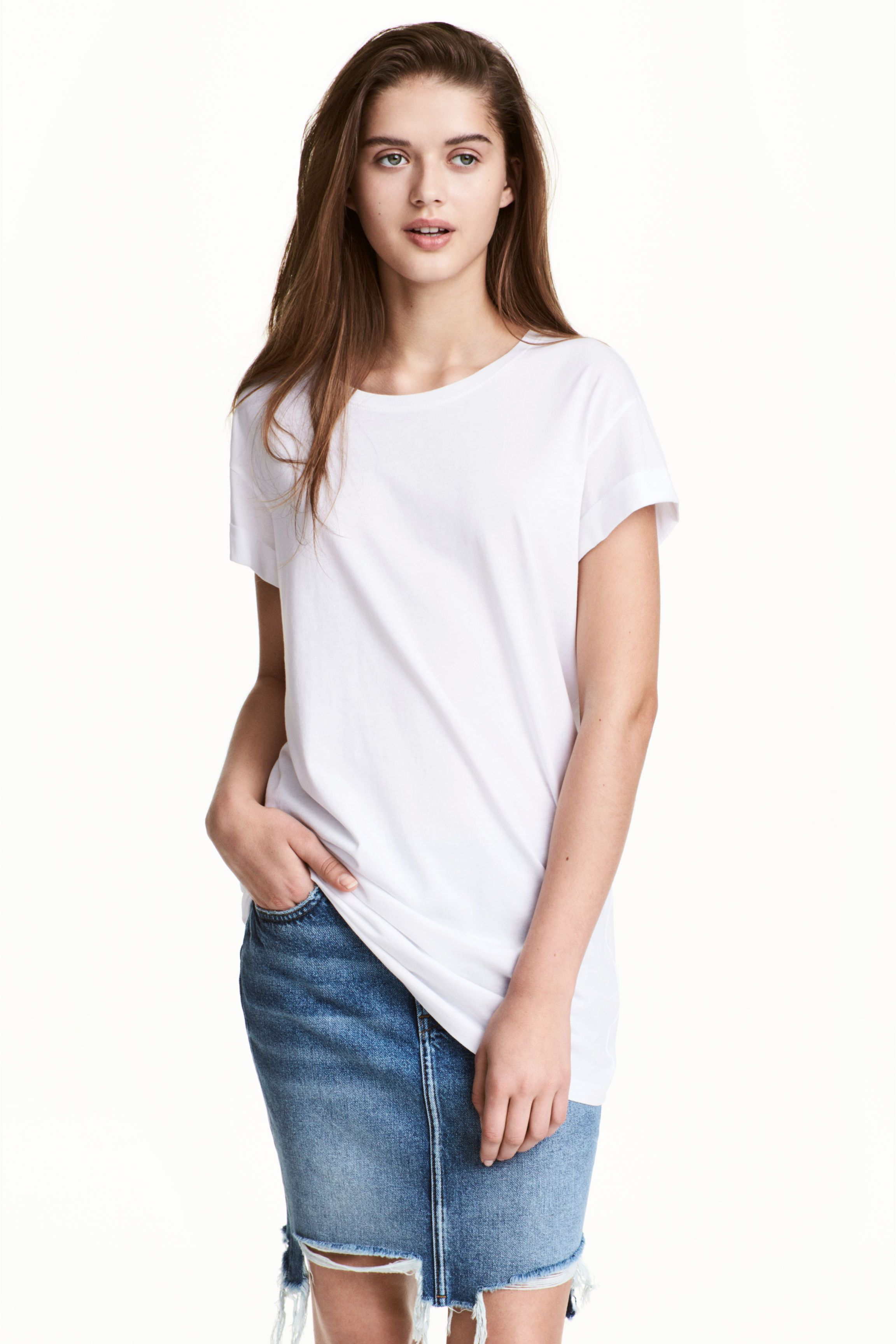 5f0b817cd1b1 Long T-shirt | Outfit Ideas | White shirts women, Tops, Clothes for ...