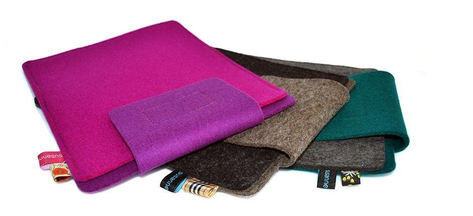 Die handgearbeiteten Stücke aus 100% Wollfilz, die in Deutschland produziert wurden, stehen für höchste Qualität und Haltbarkeit. Die Hülle für das iPad zeichnet sich durch die fein verarbeiteten, mittigen Mustern aus. Verschlossen wird die Hülle mit einem hochwertigem Klettverschluss.   Design: Susanne Pietsch