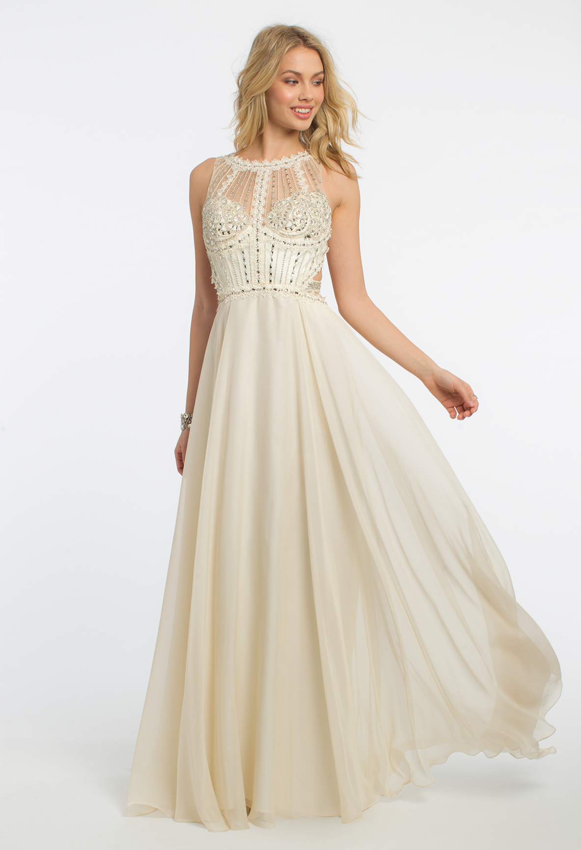 Make an enchanting statement in this dreamy evening gown! The ...