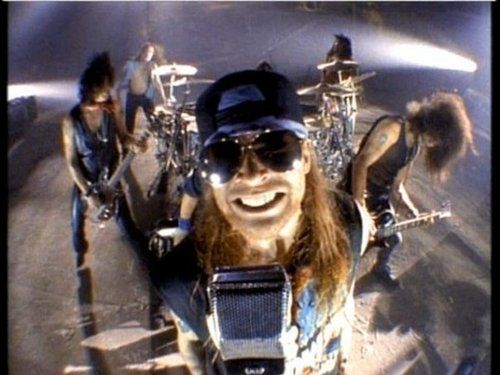 Guns N Roses With Images Guns N Roses Guns Axl Rose