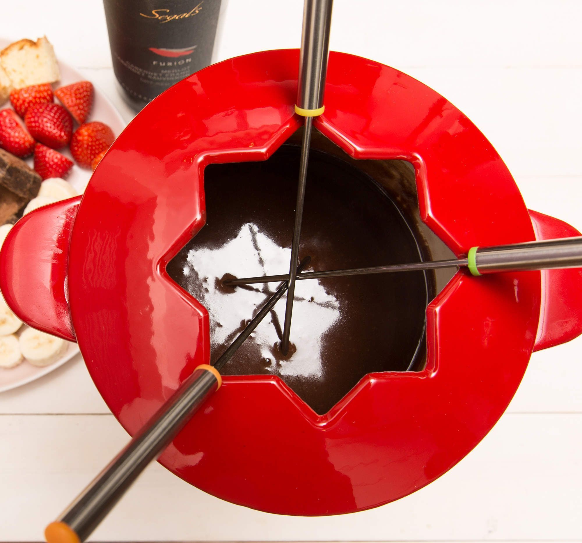 Cocoa vin #chocolatefonduerecipes The Best Damn Wine-Spiked Chocolate Fondue Recipe #chocolatefonduerecipes Cocoa vin #chocolatefonduerecipes The Best Damn Wine-Spiked Chocolate Fondue Recipe #chocolatefonduerecipes