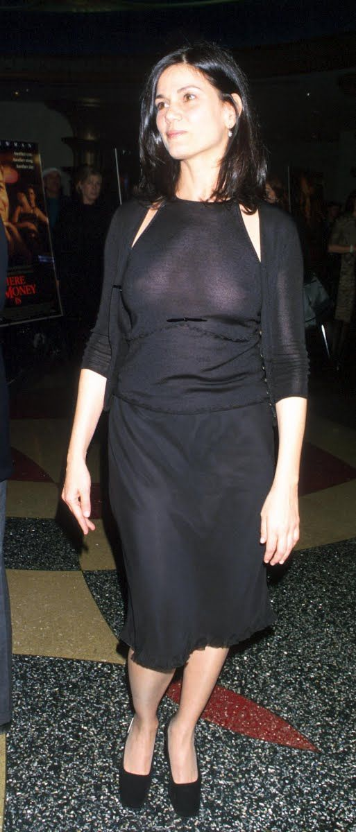 Actress Linda Fiorentino At Premiere Of The Film Where The Money Is