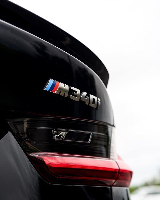 De Nieuwe M340i Xdrive Vol Met M Performance Parts Bmw Bmwm M340 M340i Bmwm340 Bmwm340i Xdrive Mperformance Bmw Touring Bmw Luxury Private Jets