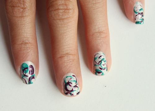 Manicure Monday: Straw Stamp Nails with Syl and Sam at LuLus.com!