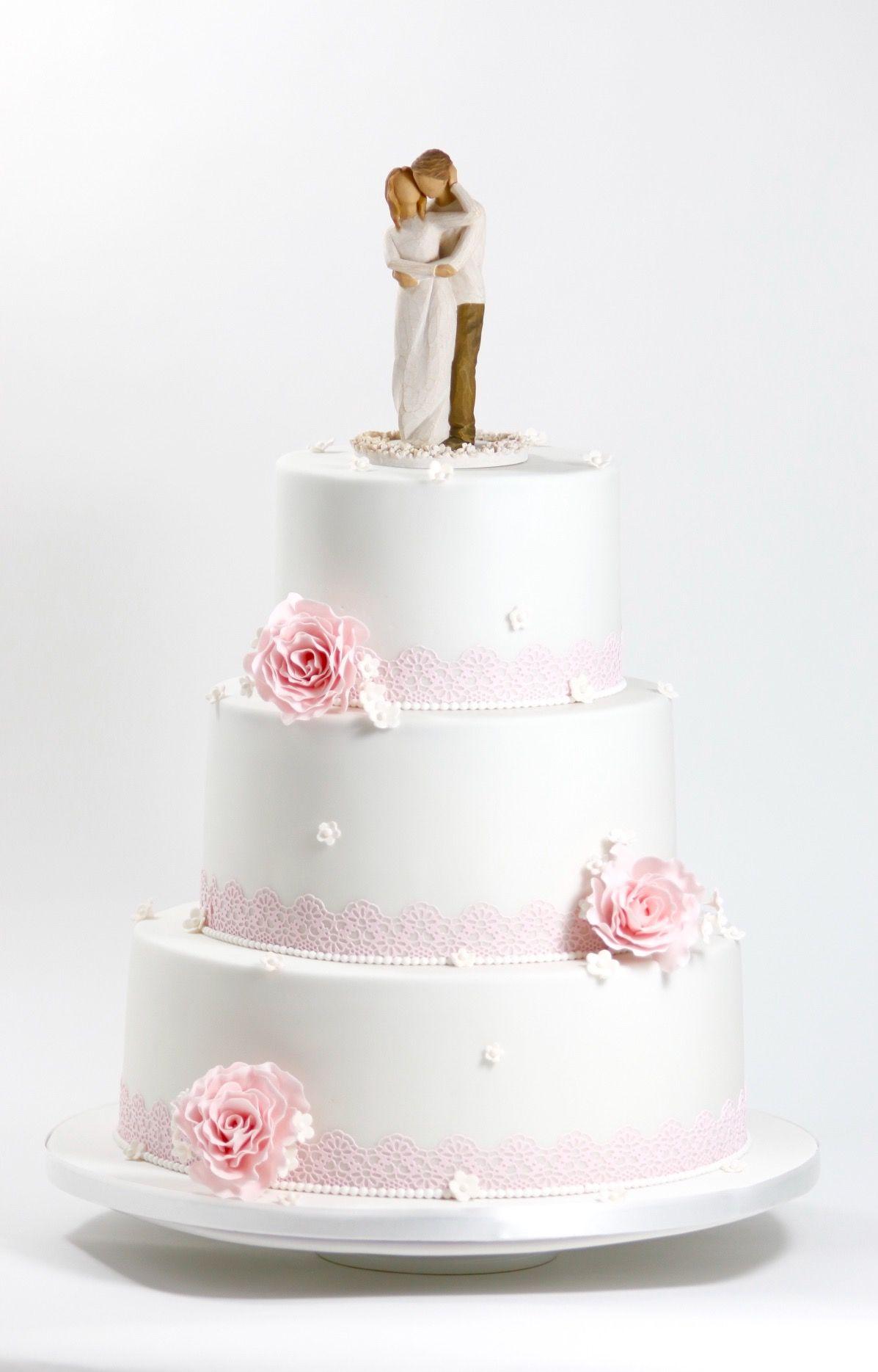 Romantische Hochzeitstorte In Weiss Rosa 3 3 Stockige Hochzeitstorte