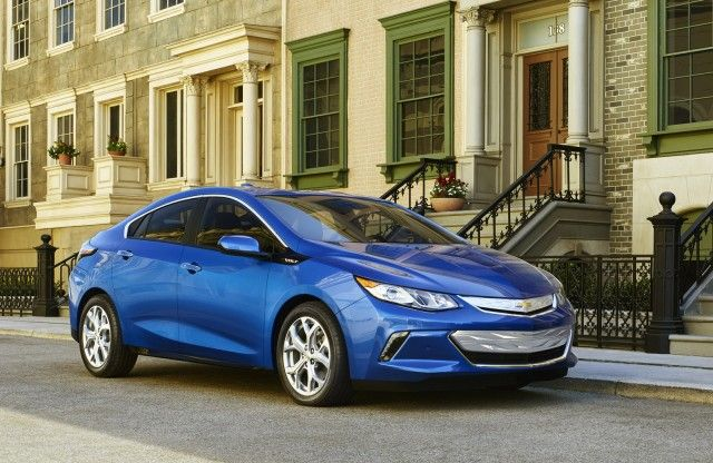 green car reports 2016 best car to buy nominee 2016 chevrolet volt rh pinterest com