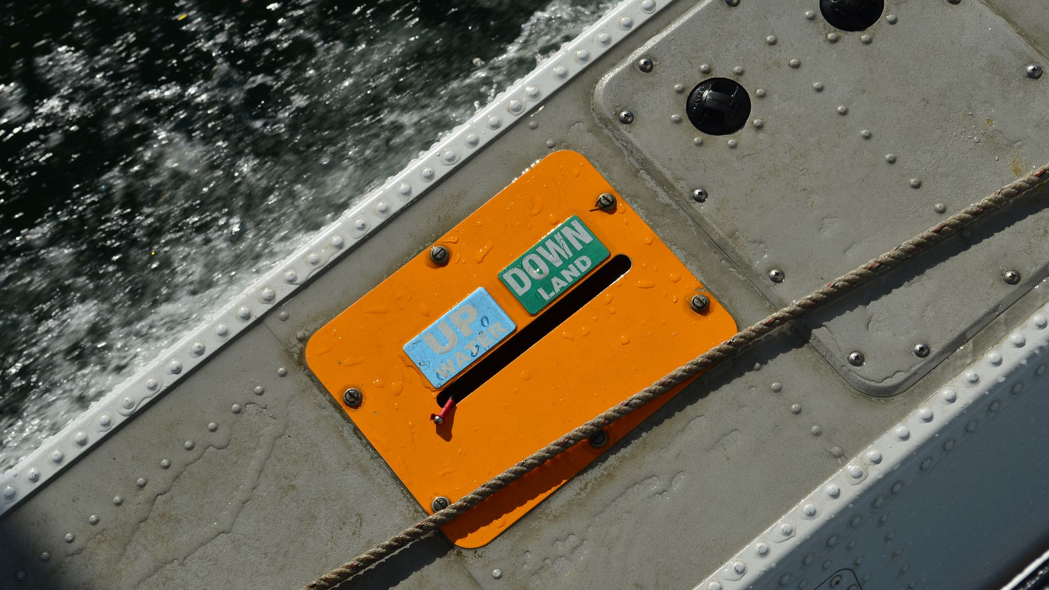 https://flic.kr/p/Gwp1YE | Floats in the Baltic Sea | Ein Schwimmer vom #Wasserflugzeug auf der Flensburger Förde.