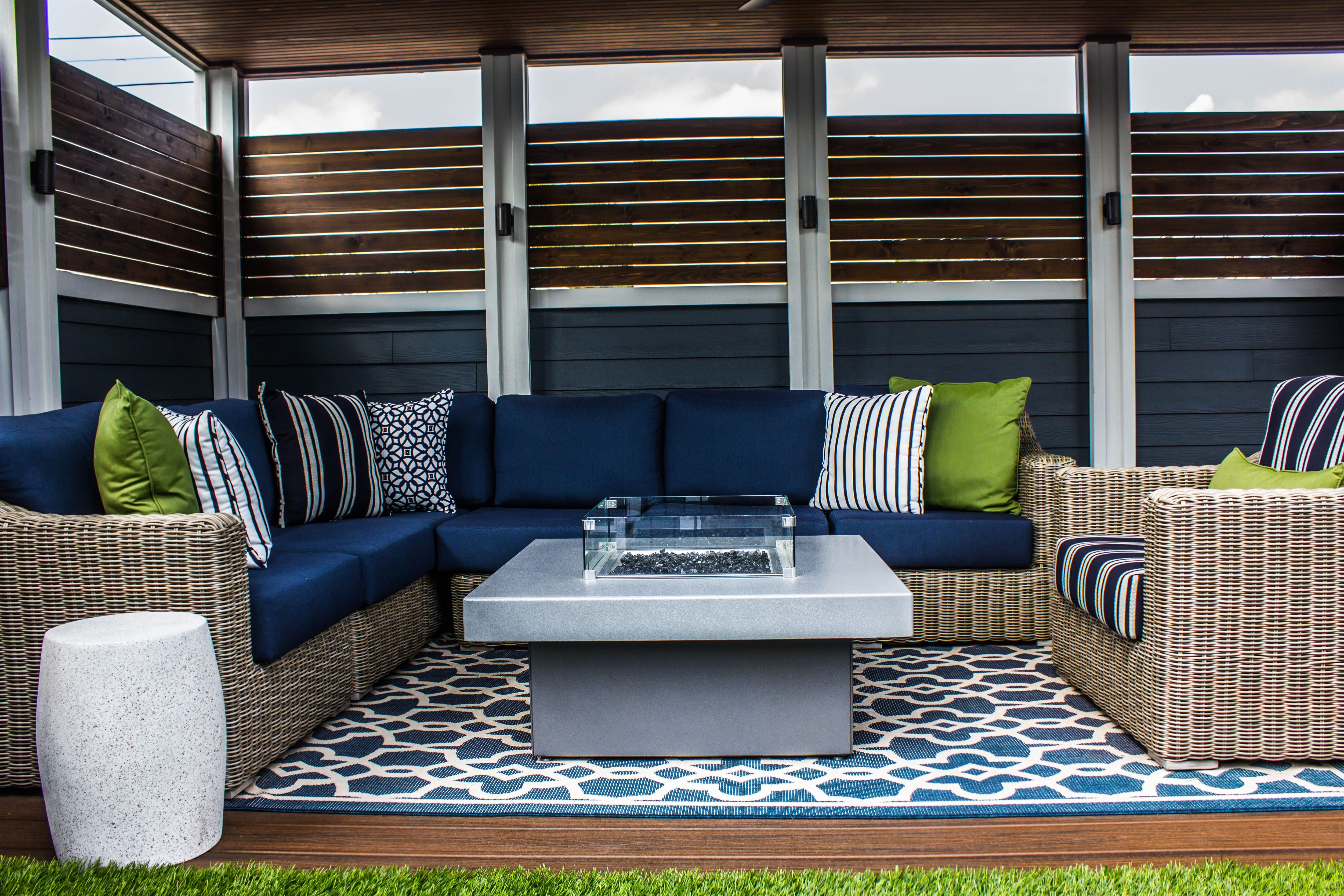 Best With The Wood Slats Surrounding This Seating Area Feels 400 x 300
