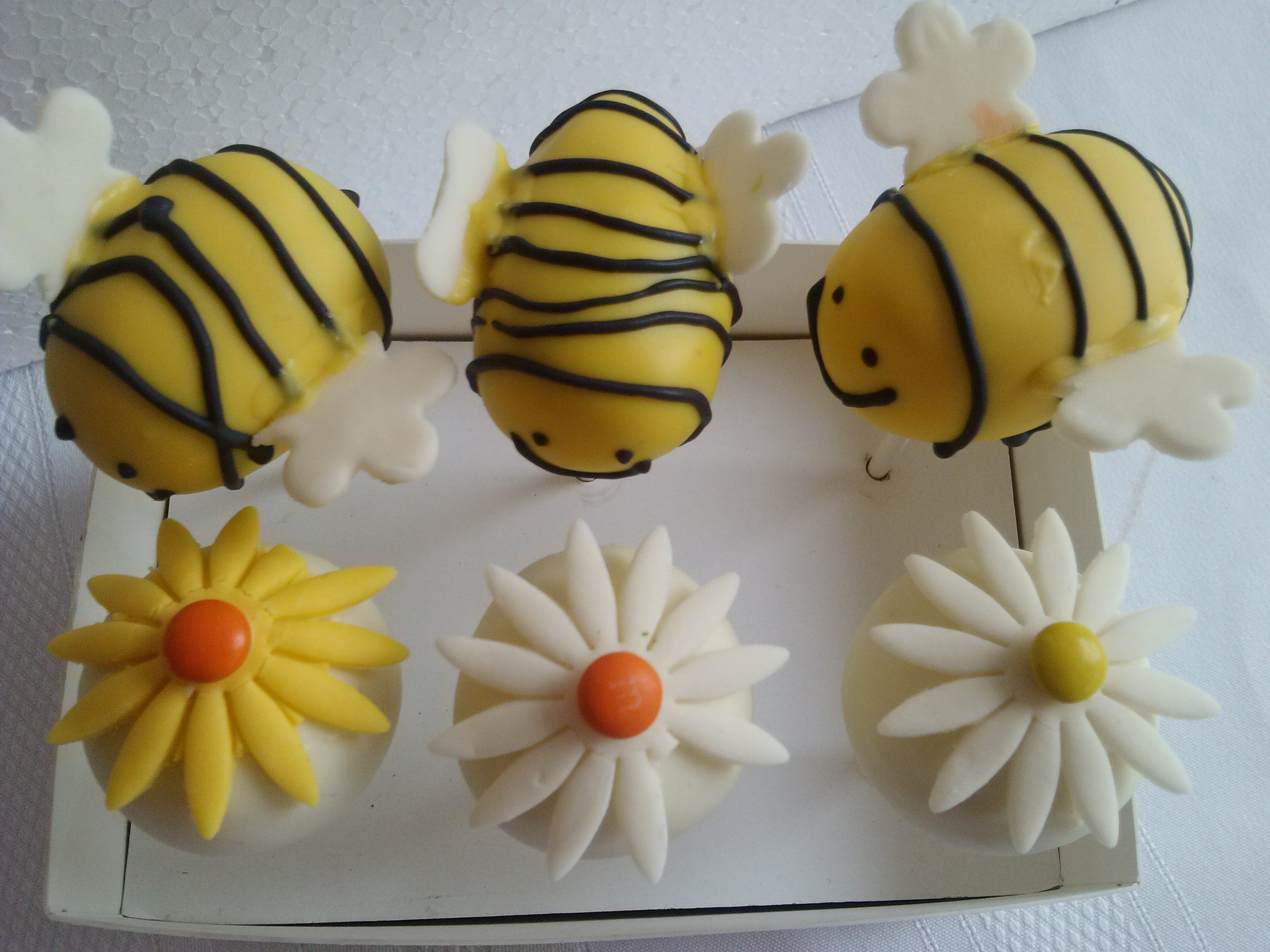 Bumble Bee Cake Pops by Poppers Cake Pops & Balls, Los Mochis, Sin, Mexico