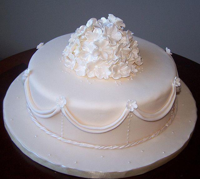 Single tier ivory wedding cake | Ivory wedding cake, Ivory wedding ...