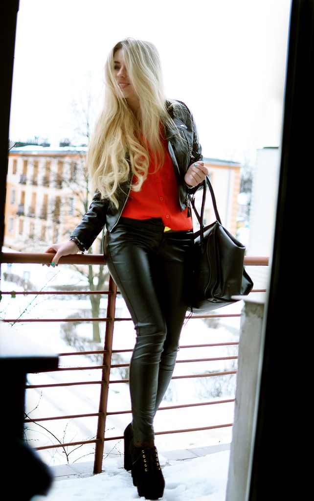how to wear the wolford estella faux leather legging