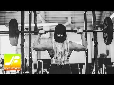 This Amazing Woman Is A Powerlifter | Level Fitness