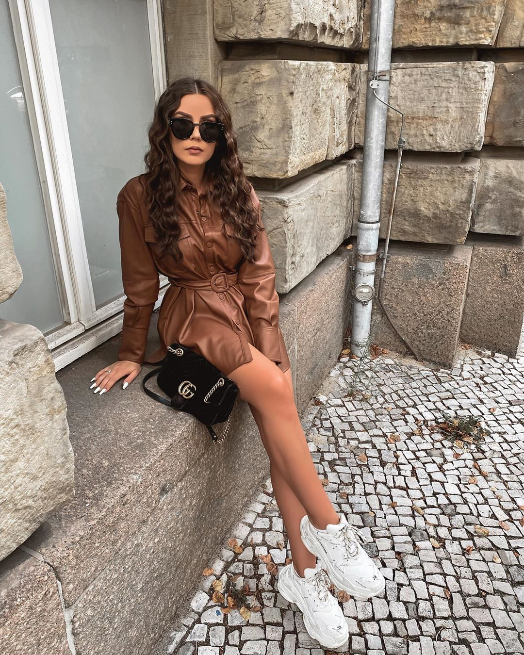 "FASHION•LIFESTYLE•TRAVEL on Instagram: ""🤎OOTD ___________ Hemd @zara ____________ #instagood#instalike#instadaily#instafashion #autumn #autumnlook #fashion…"""
