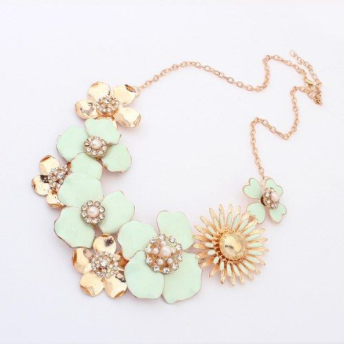 Sweet Flowers Necklace