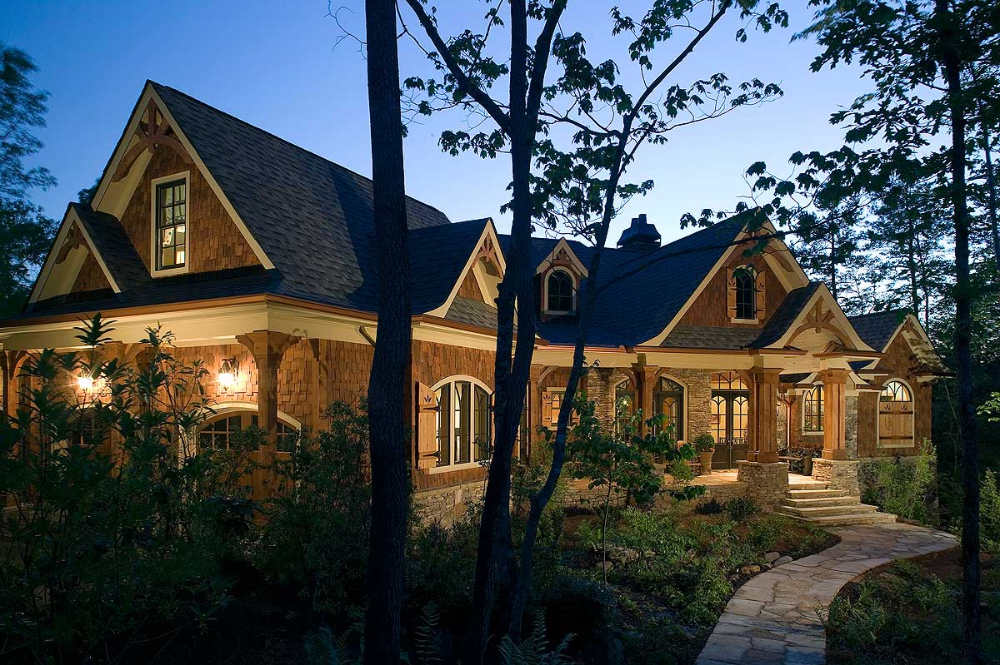 This Luxury Mountain Home Plan Is Perfect For The Sloping Lot And Gives You A Finished Lower Craftsman Style House Plans Rustic House Plans Cottage House Plans