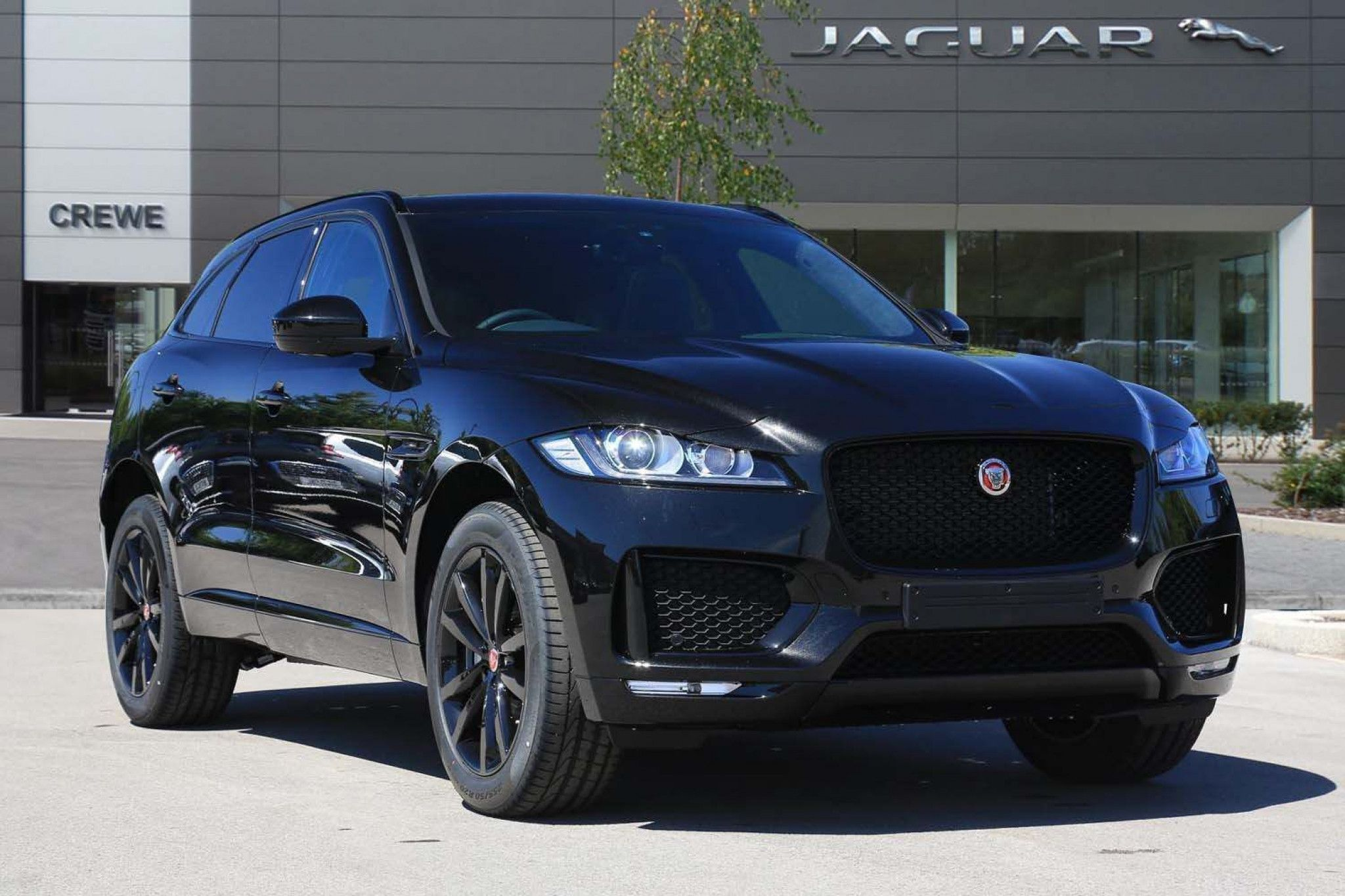 Jaguar F Pace 2 0d Chequered Flag Auto Awd S S 5dr For Sale Jaguar Pace Jaguar Suv Jaguar Car