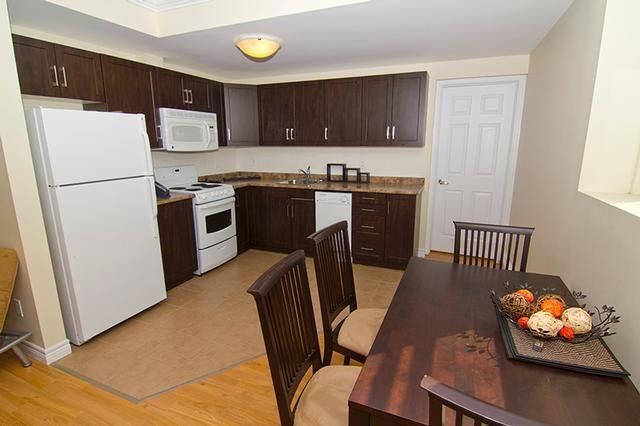 Apartment Rentals Rent In London Laminate Hardwood Flooring Kitchen Remodel