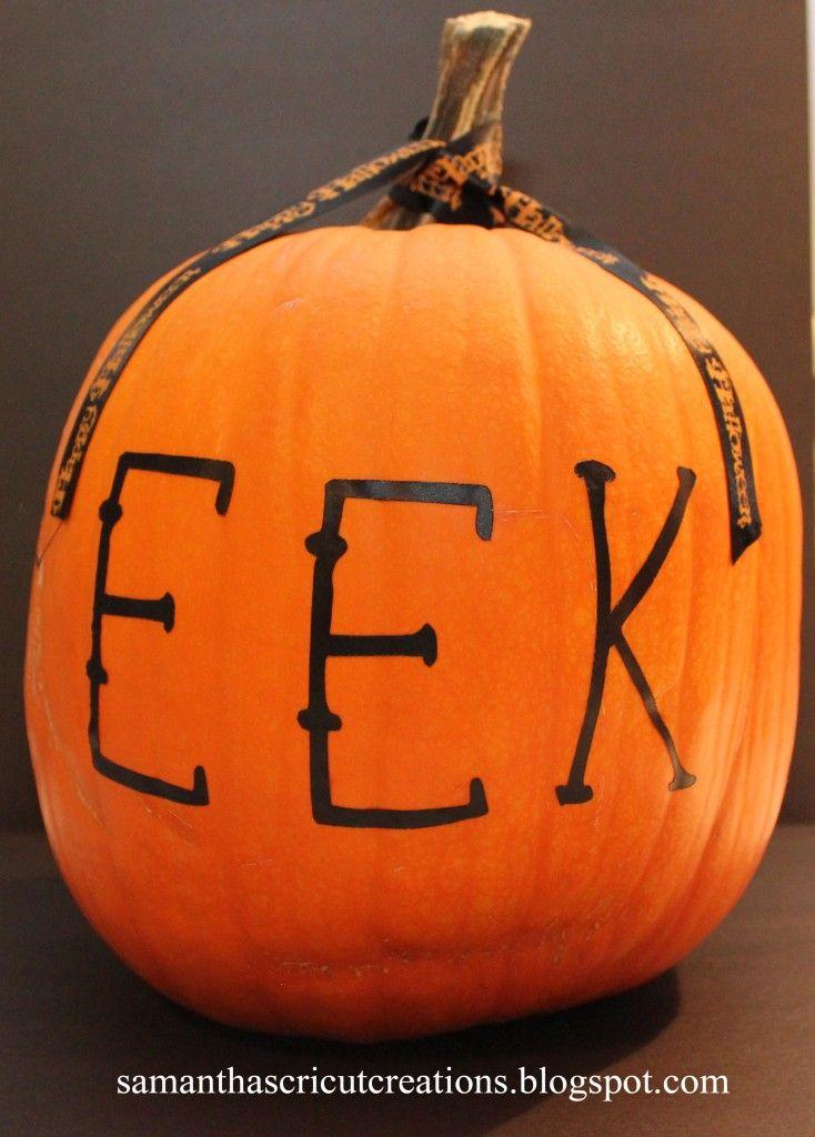 Easy to Decorate Pumpkin Craft! #DIY #Halloween #Pumpkins