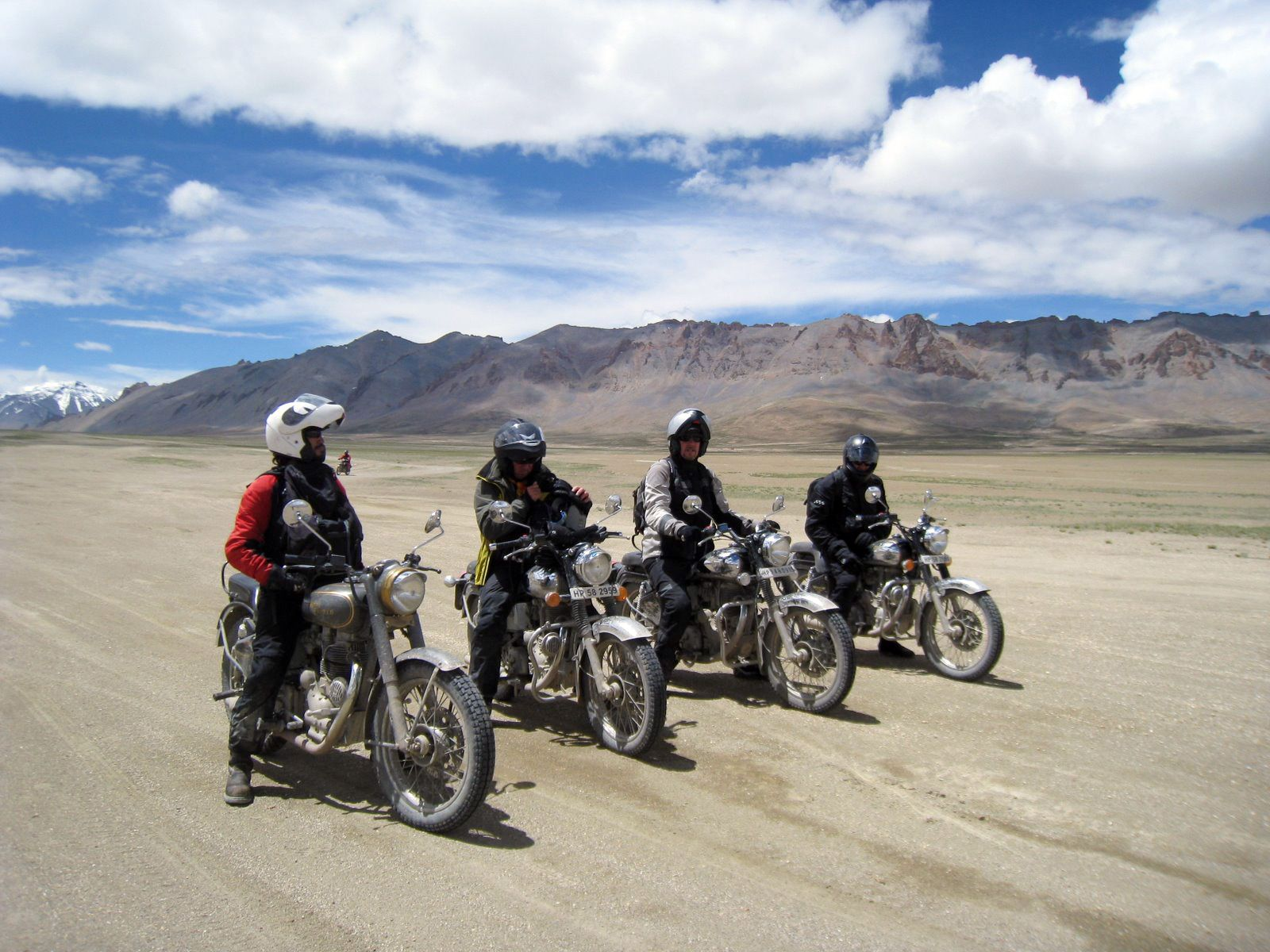 The Best Adventure Ladakh Motor Bike Trip 2020 On Royal Enfield