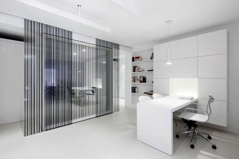 Incredible casa de las jacenas geometrical design for Modern office partition design