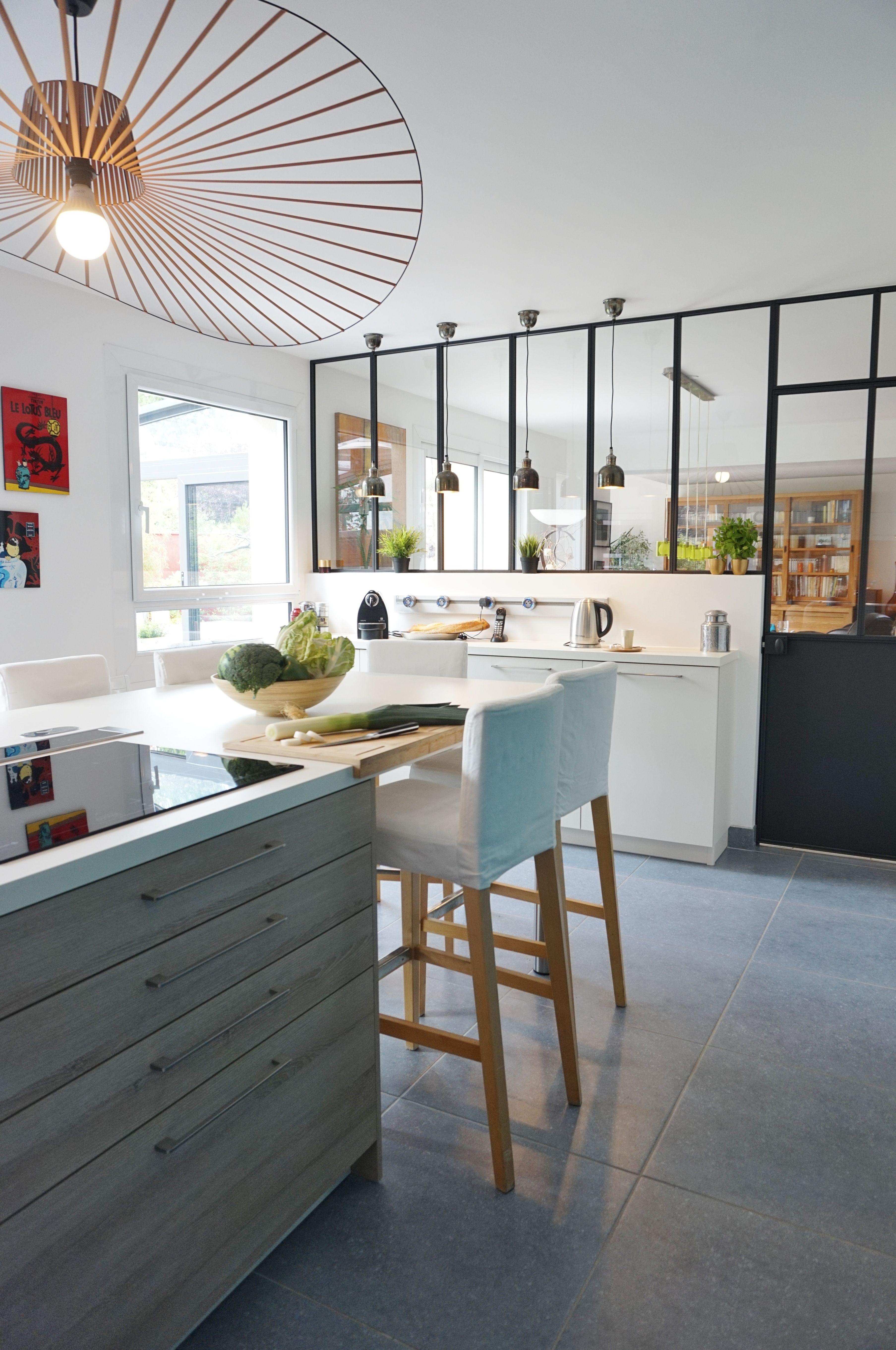 Cuisine Bar Avec Verri Re Am Nag E Par L Agence D Architecture Adc L
