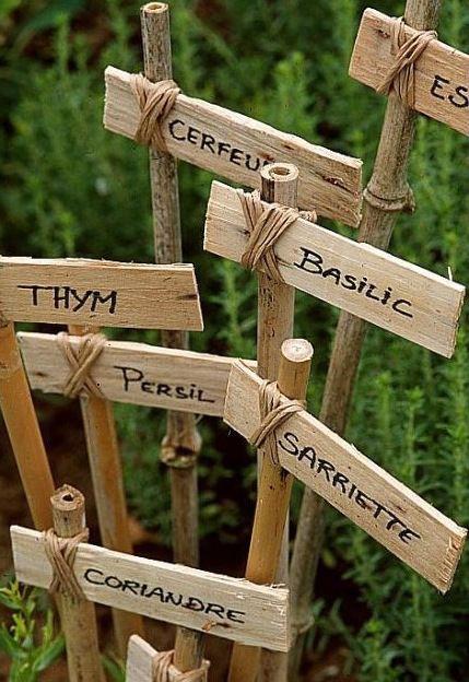 Do it yourself tiquettes pour le jardin gardens permaculture astuce diy retrouvez vos herbes aromatiques au jardin au premier coup doeil solutioingenieria Choice Image