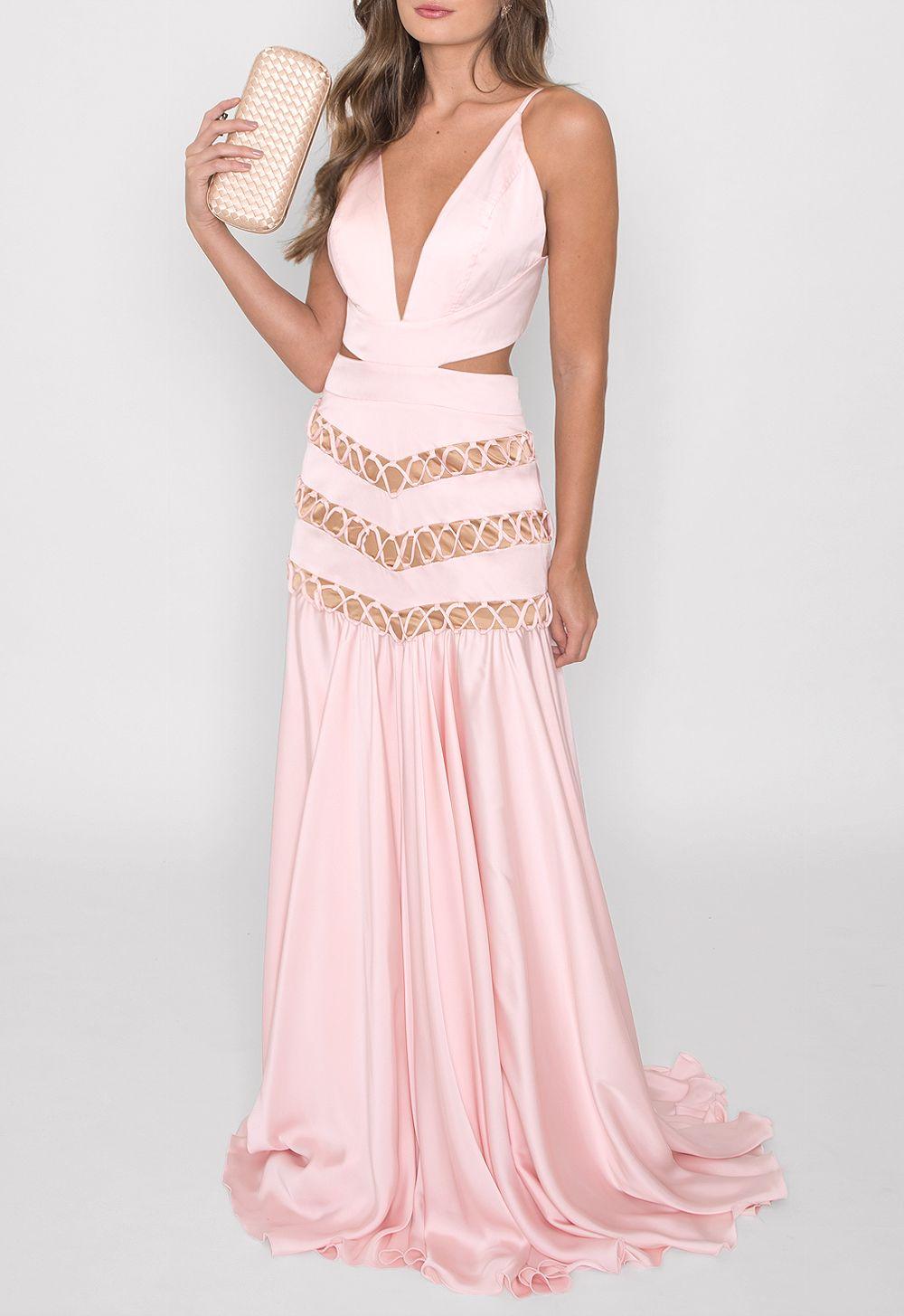 445555d947eddc Vestido longo em cetim rosa claro com recortes na cintura. Detalhe ...