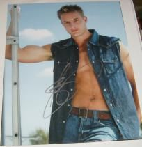 Justin Hartley Signed Shirtless 8x10 photo w/COA Smallville,Green Arrow,Justice League