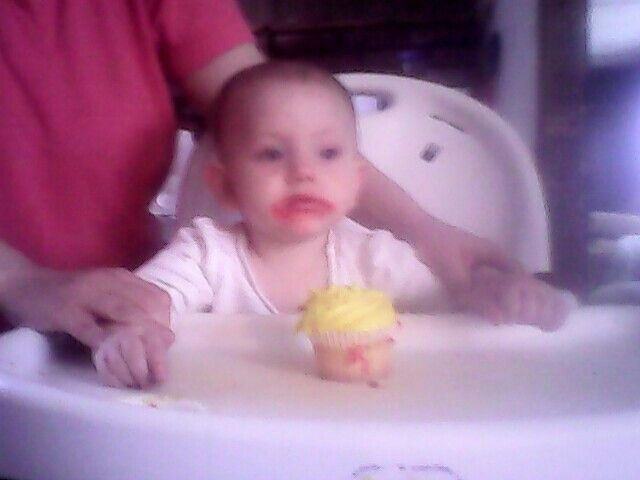Happy 1st birthday little Elizabeth your a sweetie