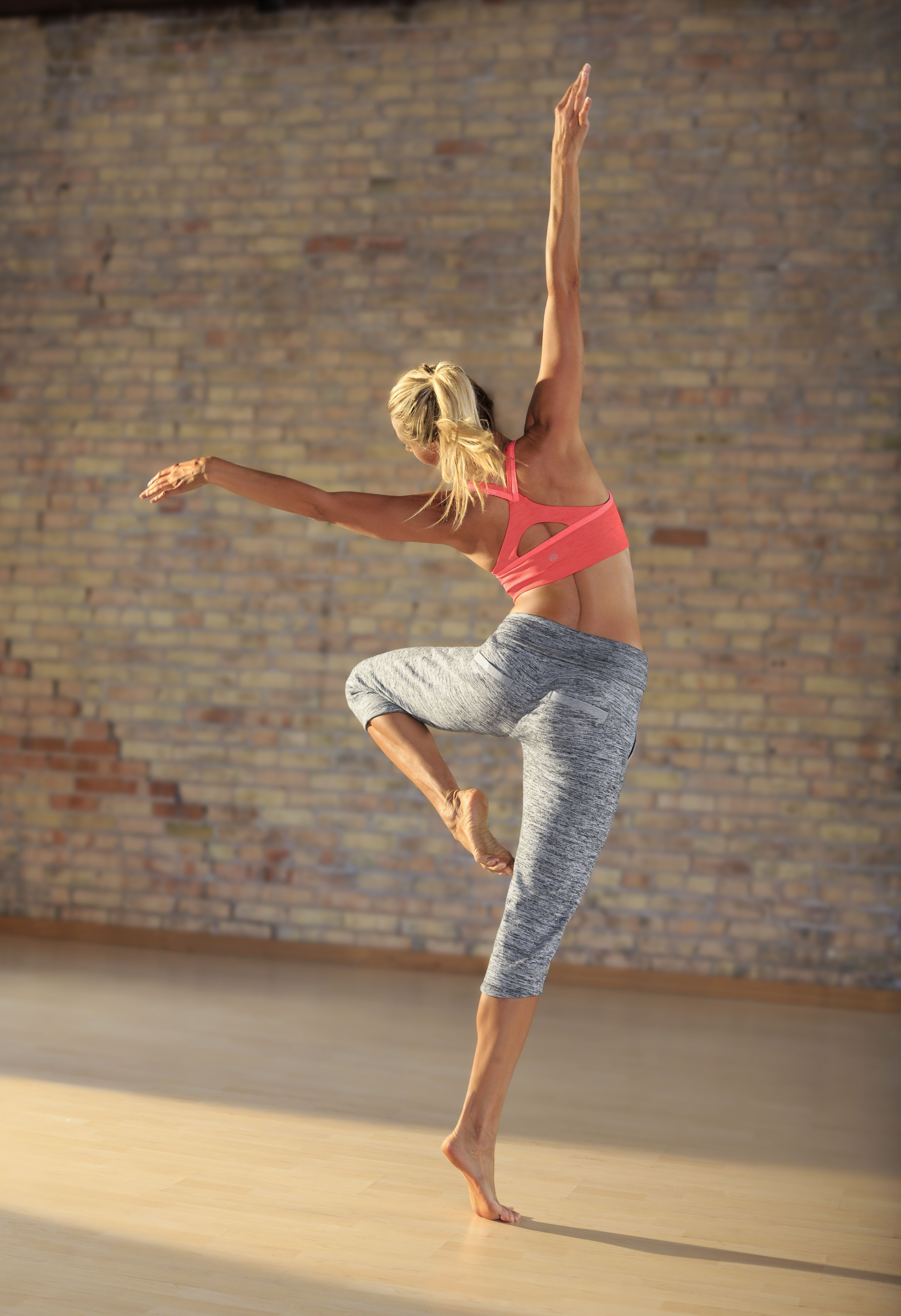 Namaste Seamless Bra + Chillax Capri | Athleta Spring 2014 Collection #athlete #lovegleneagle