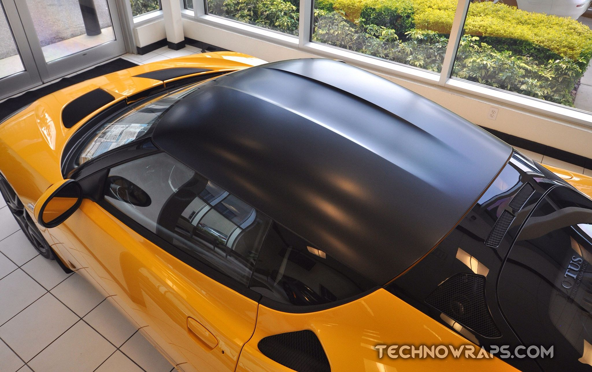 3M Satin Black Series 1080 car roof wrap by TechnoSigns in