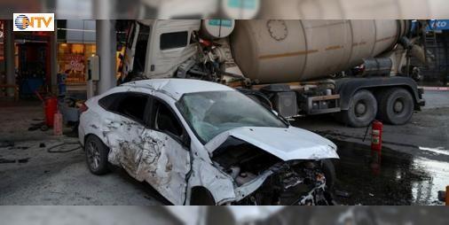 Benzin istasyonunu savaş alanına döndü! : Beton mikserinin kontrolden çıkarak bir benzin istasyonuna girdiği kazada 5 kişi yaralandı.  http://www.haberdex.com/turkiye/Benzin-istasyonunu-savas-alanina-dondu-/99148?kaynak=feed #Türkiye   #istasyoa #benzin #girdiği #kazada #yaralandı