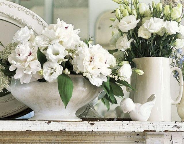 Fiori Bianchi In Vaso.Roberta Charme And More Shades Of White Fiori Fai Da Te Vasi