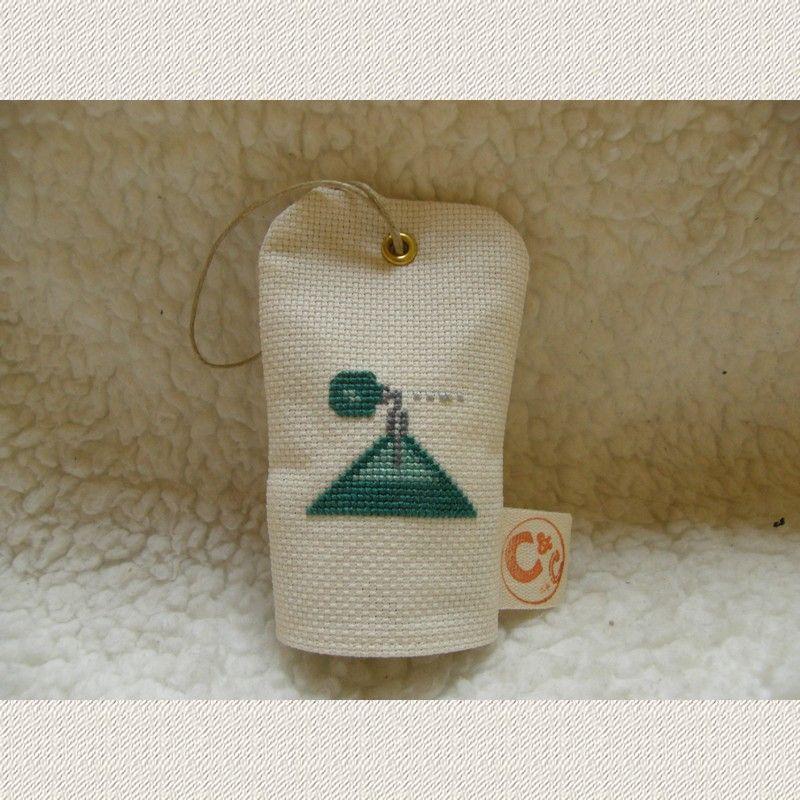 Coussin porte senteur - Parfum triangle - www.caielle-cadiera.com