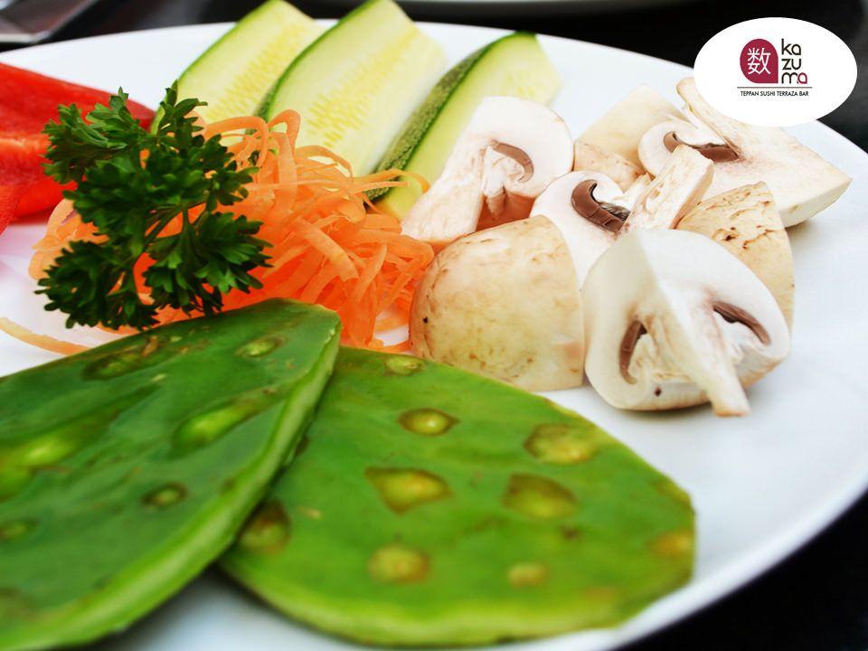 LA MEJOR COMIDA JAPONESA EN POLANCO. En Restaurante Kazuma realizamos combinaciones exquisitas para que disfrute de platillos deliciosos. Uno de los platillos preferidos en Kazuma, es nuestra exquisita Ensalada Kazuma, elaborada con camarón y pescado empanizado acompañado con ensalada de verdura. Una combinación deliciosa que no puede dejar de probar. #restaurantekazuma