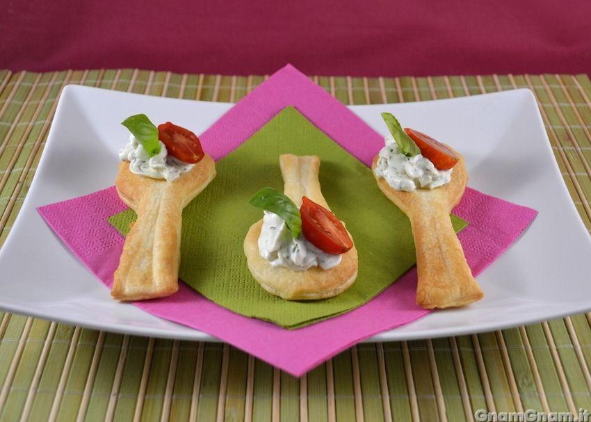Antipasti Di Natale Gnam Gnam.Cucchiaini Di Pasta Sfoglia Ricetta Ricette Idee Alimentari Pasta Sfoglia