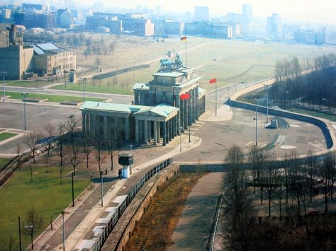 Muro De Berlin Una Visita Obligada En Esta Ciudad Berlin Historia Obrazy