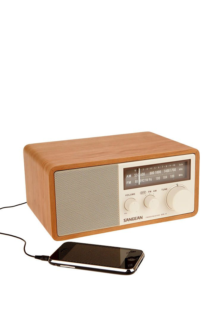 Wooden Sound System for an iPod