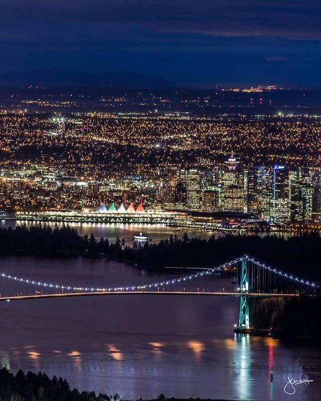 Vancouver Bc Canada: Beautiful Rainbow Coloured Sails