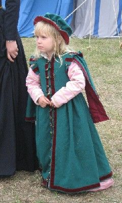 A 16th century outfit for a four year old girlBy Fru Aleydis/Eva Andersson