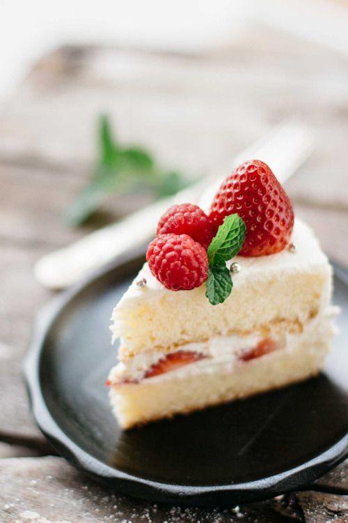Delicious Japanese birthday cake made from sponge cake with  Mein Blog: Alles rund um die Themen Genuss & Geschmack  Kochen Backen Braten Vorspeisen Hauptgerichte und Desserts # Hashtag
