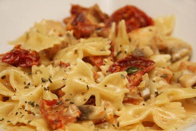 Macaroni grill chicken milano-good. Liked how they really used the sun-dried tomatoes simmering in the sauce for a while to bring out their flavor. Love it with the fresh basil.