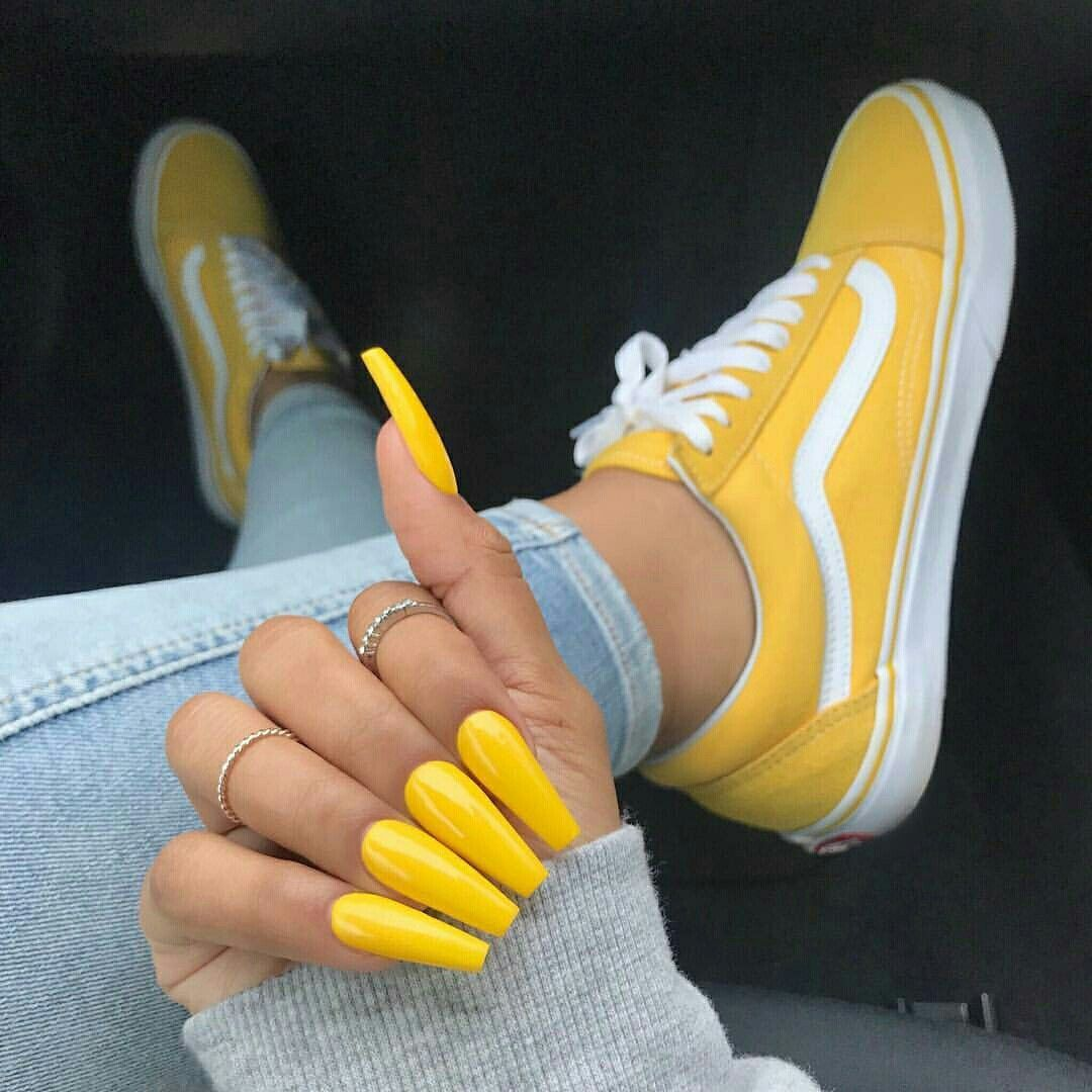 535c17a63ee7a9 Yellow acrylic nail claw design + cute women s Vans sneakers. White    bright yellow Vans Old School are a stylish