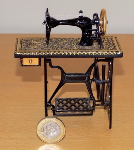 Vintage Shop Salesmans Advertising Miniature Model SINGER Pedal Beauteous Singer Pedal Sewing Machine