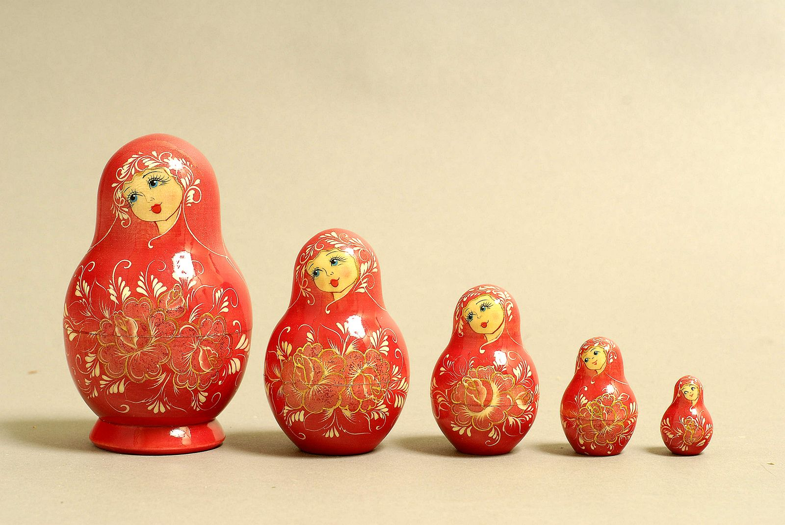 "5 Piece ""Vyatskaya Matryoshka"" number 10643 - 646"