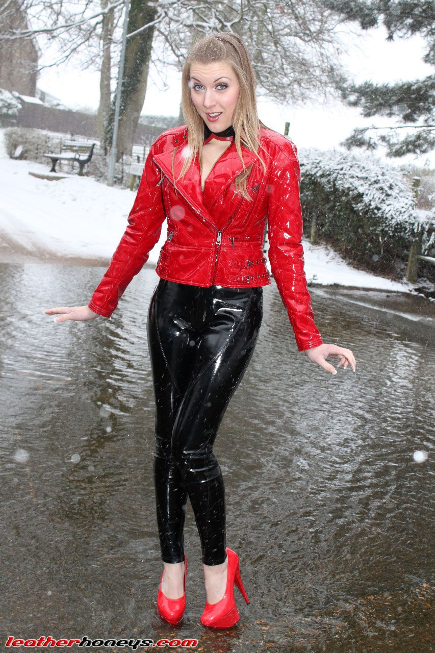 330934aa30fc96 Pin von Jacket man auf shiny pvc in 2019   Leder leggings, Lederbekleidung  und Latex mode