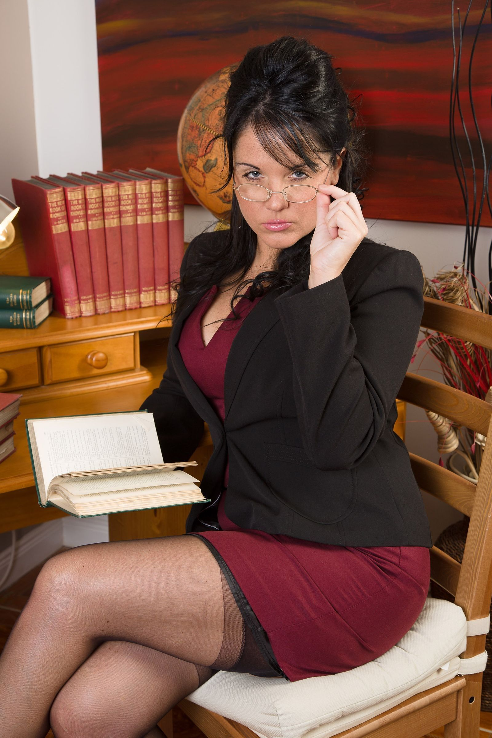 Pin on Sexy women in the office