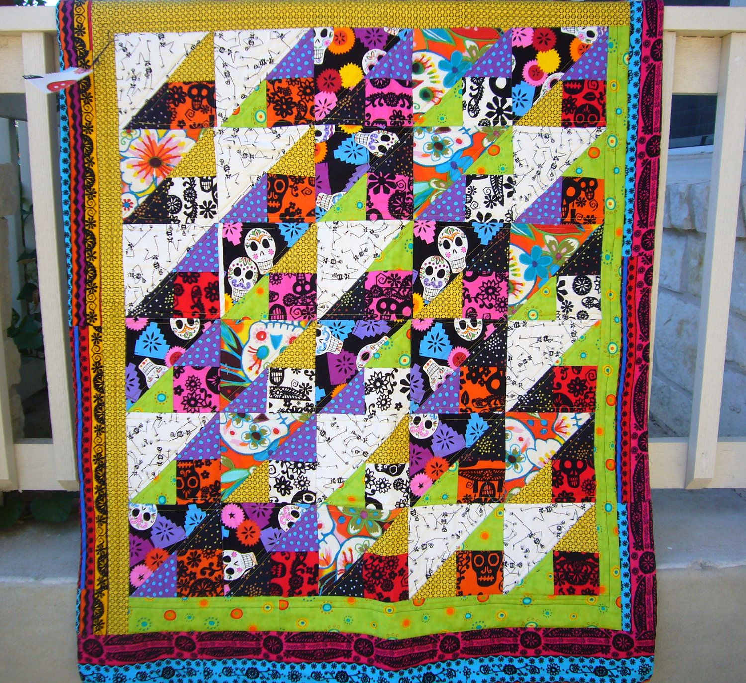 Day of the Dead Quilt | Machine quilting, Fall quilts and Appliqué ... : day of the dead quilt pattern - Adamdwight.com