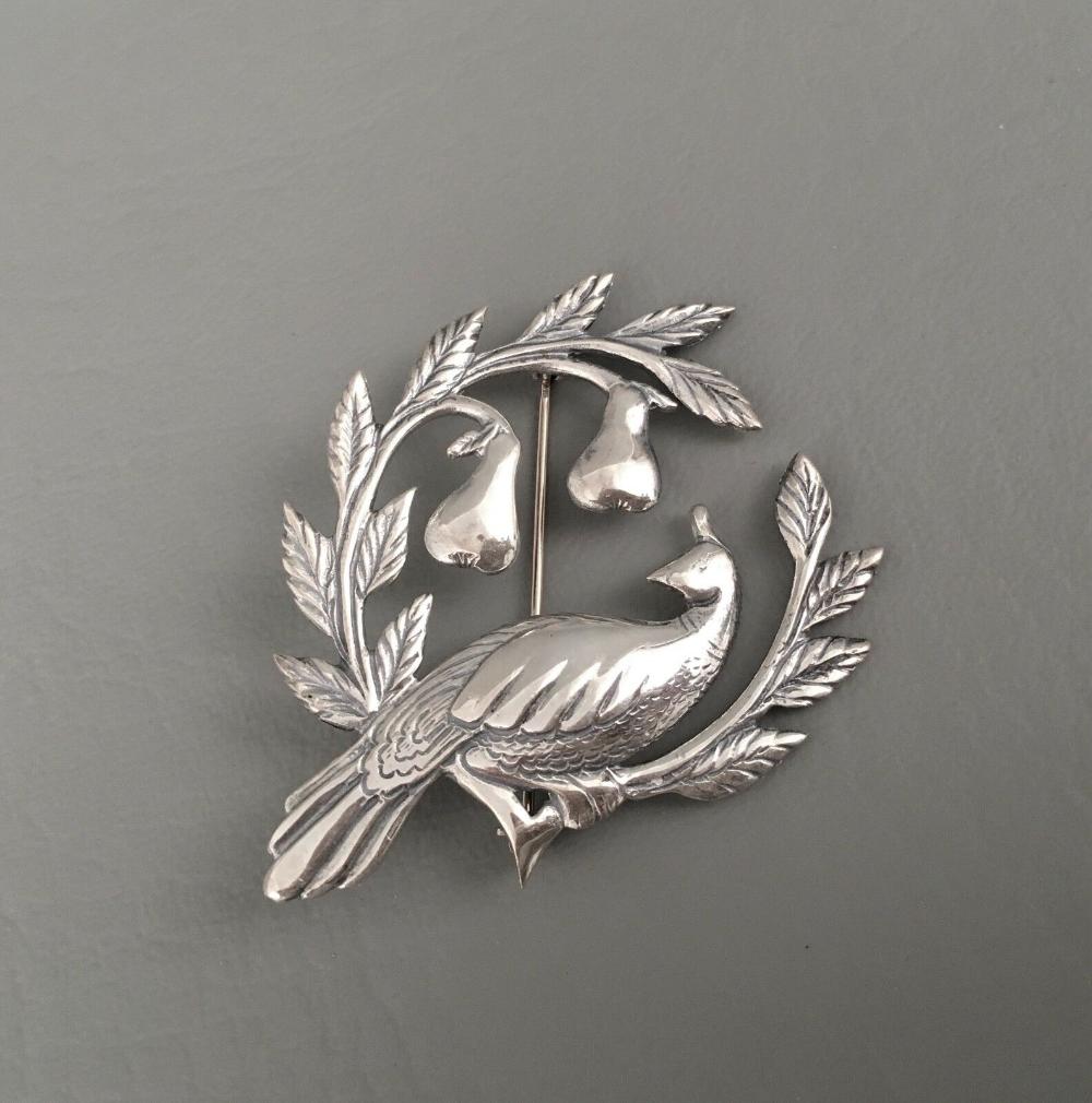 Vintage Sterling Silver Round Bird Brooch