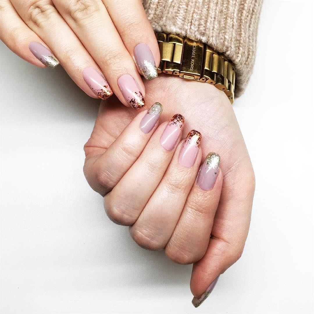 Chrome Flakes Effect Neonail Paznokcie Hybrydowe Z Pylkiem Wedding Nails Glitter Neutral Nails Acrylic Nail Designs